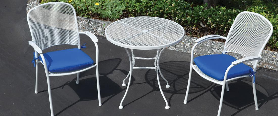 bàn ghế sắt cafe sân vườn sơn tĩnh điện với sắt uốn nghệ thuật