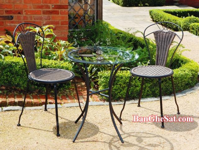 bàn ghế sắt mỹ thuật sơn tĩnh điện