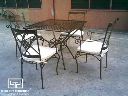 Bộ bàn ghế sắt sân vườn BGS-MT312