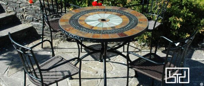 Ý tưởng trang trí quán cafe sân vườn với bàn ghế sắt mỹ thuật