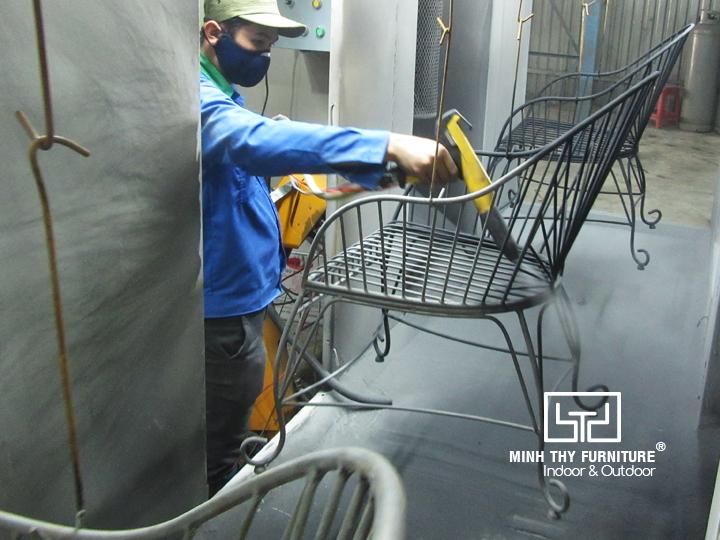 Video sản xuất ghế sắt cafe sân vườn MT419 tại xưởng Minh Thy Furniture